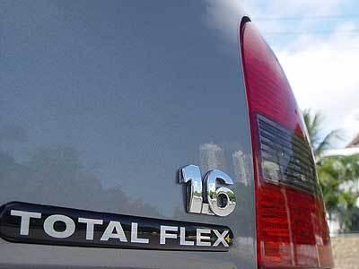 Mercedes-Benz e Fiat consideram veículos flex melhores que elétricos