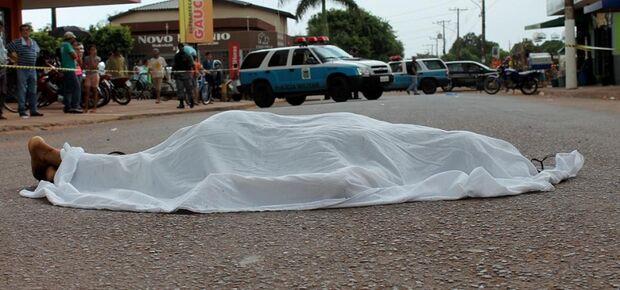 Jovem é assassinado na frente da esposa e do filho no Itamaracá