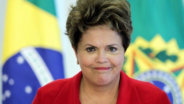 Dilma diz a Temer que tem dificuldades para dar mais espaço ao PMDB