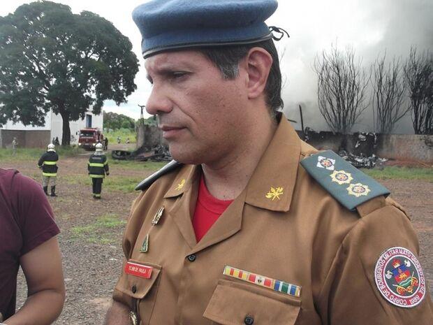 'Pedimos à população que respeite o perímetro de segurança' afirma tenente-coronel do Corpo de Bombe