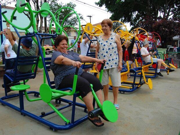 Prática de exercícios físicos por idosos reduz ida ao médico, indica pesquisa