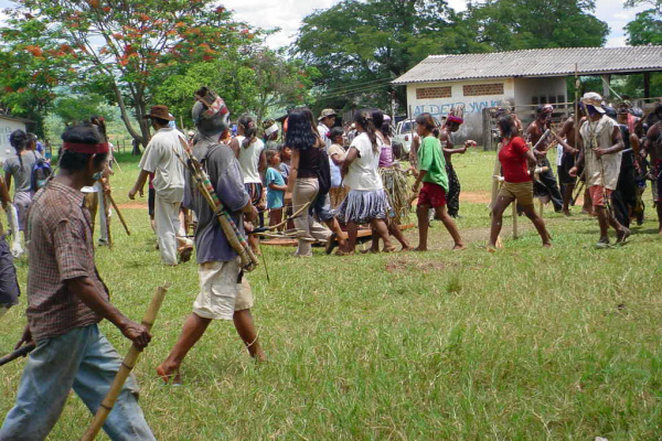 Grupo de Guarani Kaiowás invade área de 370 hectares em fazenda de Japorã