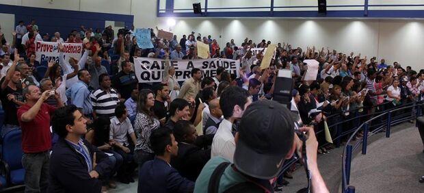 Câmara aprova Comissão Processante para investigar Bernal