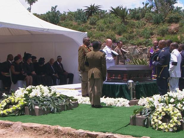 África do Sul enterra o líder Mandela