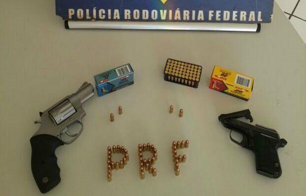 PRF apreende armas e munições na BR-463