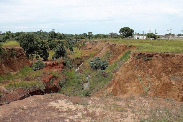 Erosão às margens da Gury Marques aumenta e preocupa população