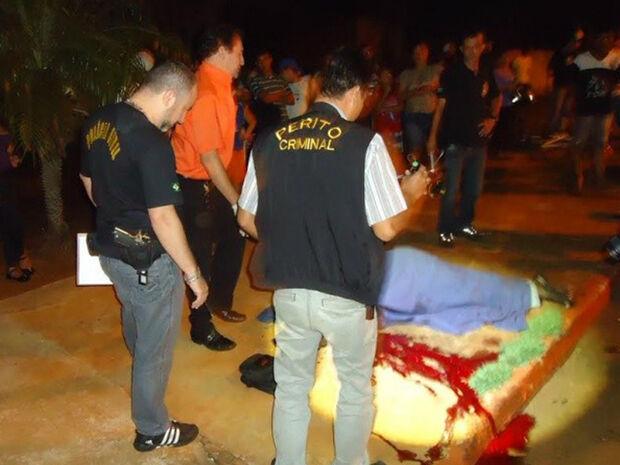 Idoso morre atropelado e condutor foge após acidente, mas é preso em seguida