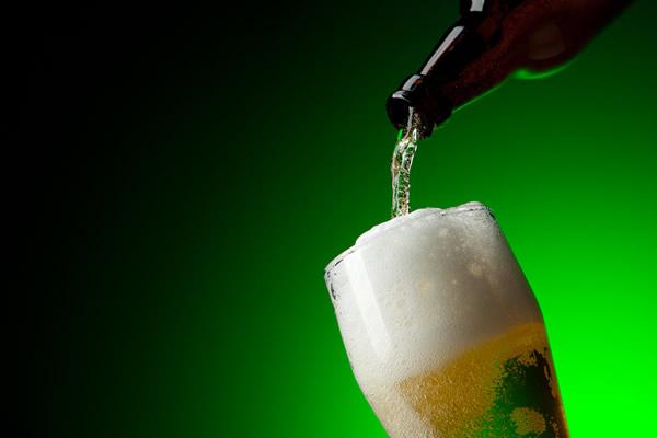 Com a modernidade, jovens fazem abstinência de internet à cerveja na Quaresma