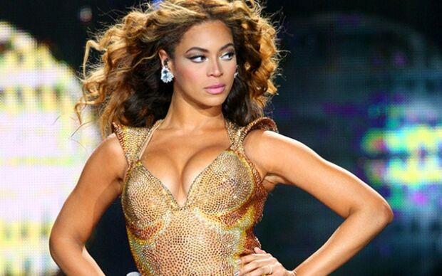 Beyoncé bate recorde com venda de novo álbum no iTunes