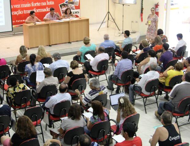 Governo do Estado aprova piso salarial de 20 horas semanais para educadores