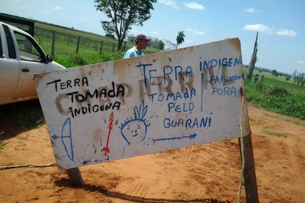 Guaranis prometem resistir à reintegração com morte coletiva em Japorã