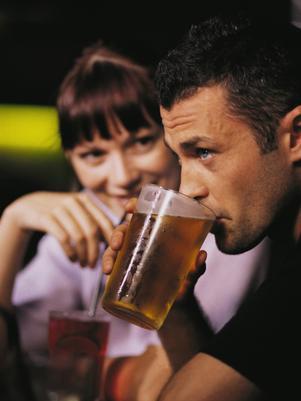 Mais de duas doses de álcool por dia aceleram perda de memória