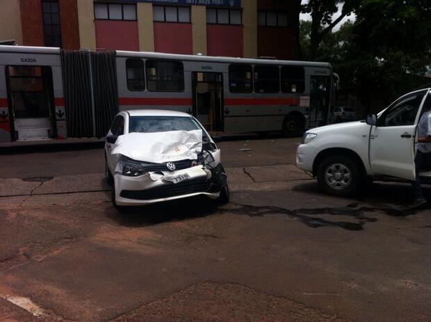 Acidente deixa trânsito lento na Capital