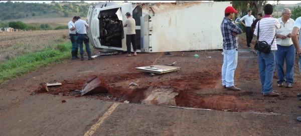Acidente com carro forte mata douradense na região de fronteira