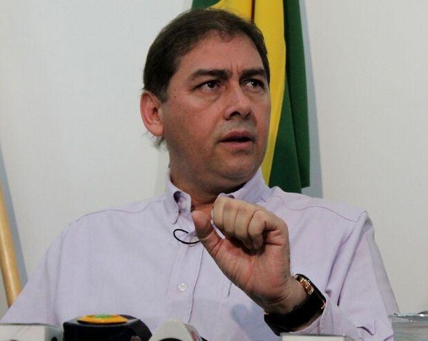 Arrependido Bernal revoga exoneração da esposa do vereador Chocolate