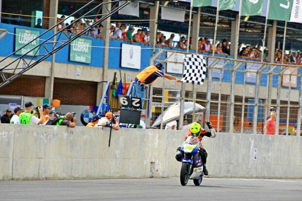 Pedro Sampaio vence a GPR 250 em Campo Grande