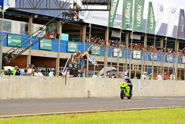 Uruguaio vence na GP 600 em Campo Grande