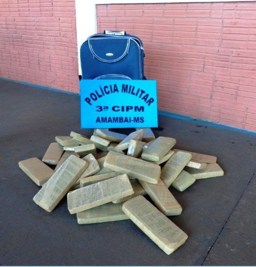 Polícia Militar apreende menor com 31,5kg de maconha