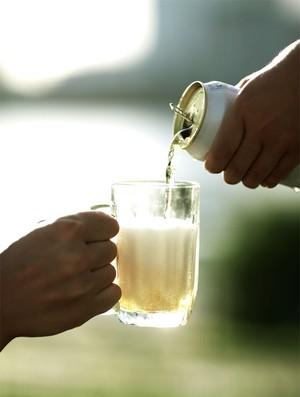 Cerveja sem álcool traz benefícios aos corredores de maratona