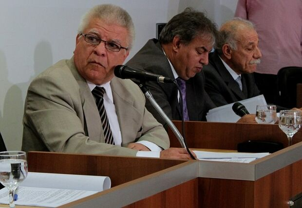 Edil diz que é 'falta de respeito' sobre o pedido de Alex tentar tirá-lo da Comissão Processante
