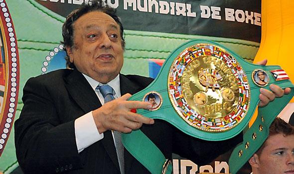 Morre José Sulaimán, líder do Conselho Mundial de Boxe