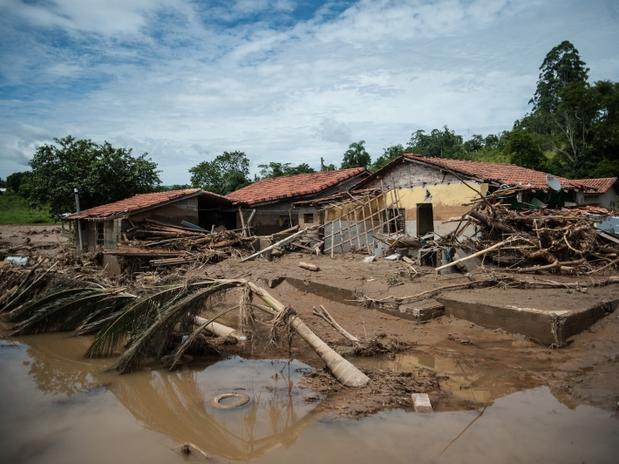 Chega a 23 o número de mortos por chuvas em Itaoca