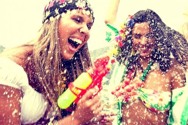 Melhores destinos para cair na folia pelo Estado no carnaval 2014