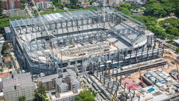 Valcke diz em rede social que Curitiba está mantida na Copa