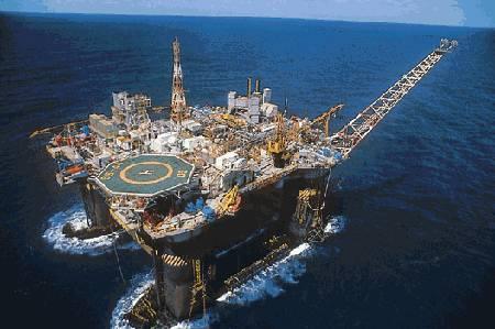 Greve dos petroleiros paralisa 18 das 42 plataformas da Bacia de Campos