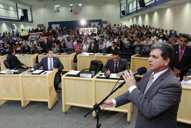 PSDB vai discutir possível expulsão de João Rocha