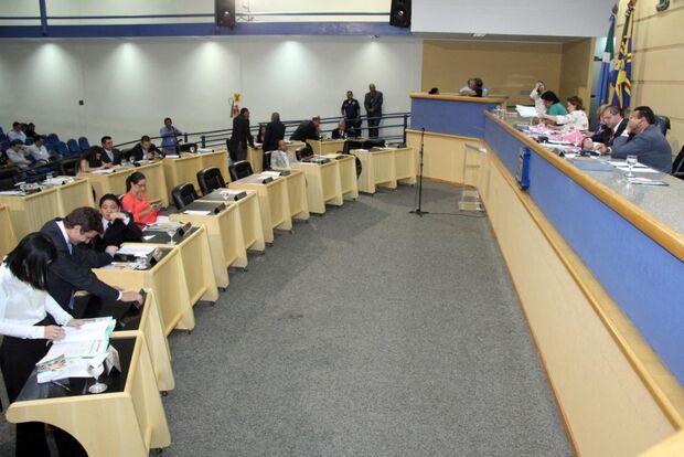 Câmara aprova 17 projetos e quatro ofícios na sessão desta quarta