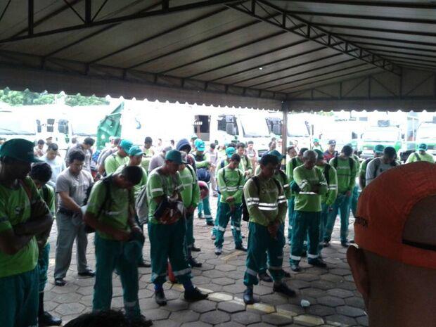 Trabalhadores da Solurb não iram trabalhar após às 18h de hoje por falta de pagamento