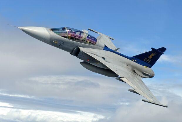 Governo brasileiro anuncia compra de 36 aviões 'Caças' de empresa Sueca