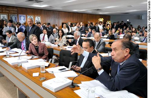 CCJ rejeita redução da maioridade penal e senadores sugerem mudanças no ECA