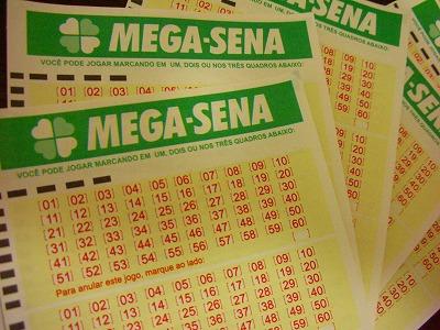 Acumuladas, Mega-Sena e Lotomania sorteiam juntas mais de R$ 20 mi