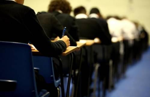 Candidatos que farão a prova do concurso da Polícia Civil no domingo devem ficar atentos ao horário