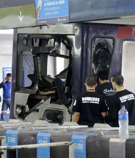 Acidente ferroviário deixa pelo menos 80 pessoas feridas na Argentina