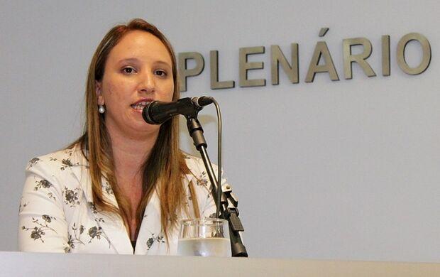 Thais Helena se exalta no depoimento e afirma que nunca faltou alimento nos Ceinfs