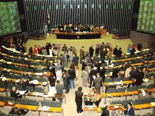 Comissão aprova novas punições contra crimes de preconceito
