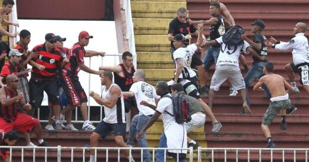 Polícia prende 12 torcedores envolvidos em briga em SC