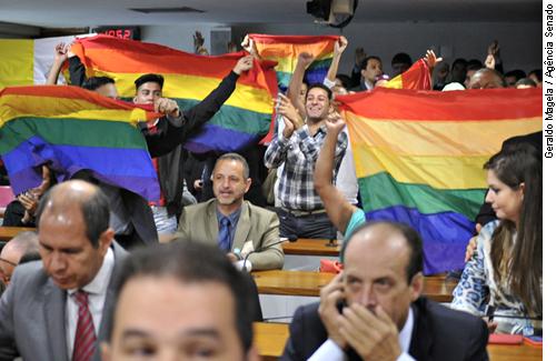 Projeto de criminalização da homofobia deve ser votado junto como Código Penal