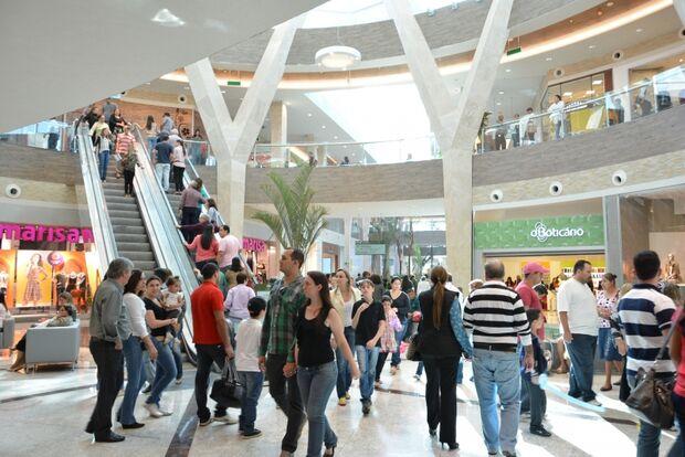 Shoppings ficarão abertos até às 23h a partir de hoje