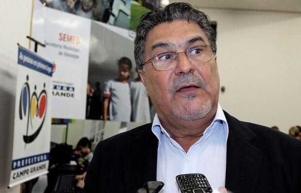 Paulo Pedra e Aírton convidam secretário de educação para se filiar a seus partidos