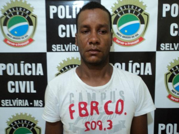 Policiais prendem ex- presidiário em flagrante