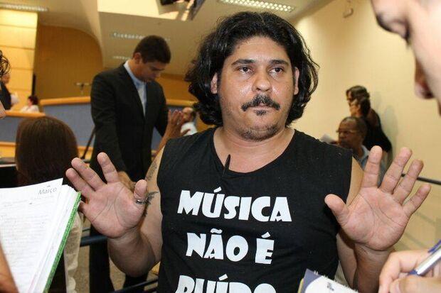 Músicos do movimento 'Música não é ruído' se reúnem na Câmara Municipal