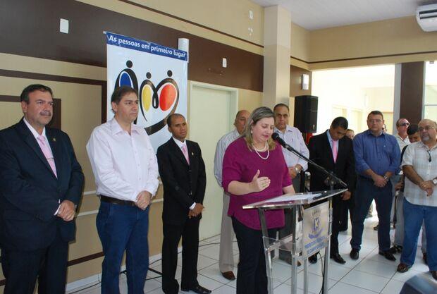 Clima de cordialidade define encontro entre prefeito e vereadores em inauguração de PA