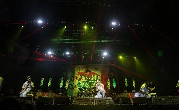 Korn e Slipknot fecham primeira noite do Monsters of Rock em São Paulo