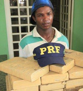 Jovem é preso transportando 17 quilos de maconha em ônibus de viagem