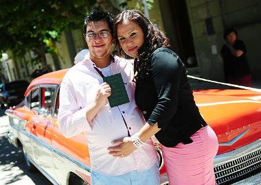 'Homem grávido' dá a luz a menina após cesariana
