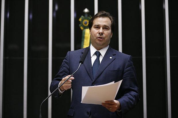 Líder da Câmara há dois meses, Maia será presidente interino se Dilma cair